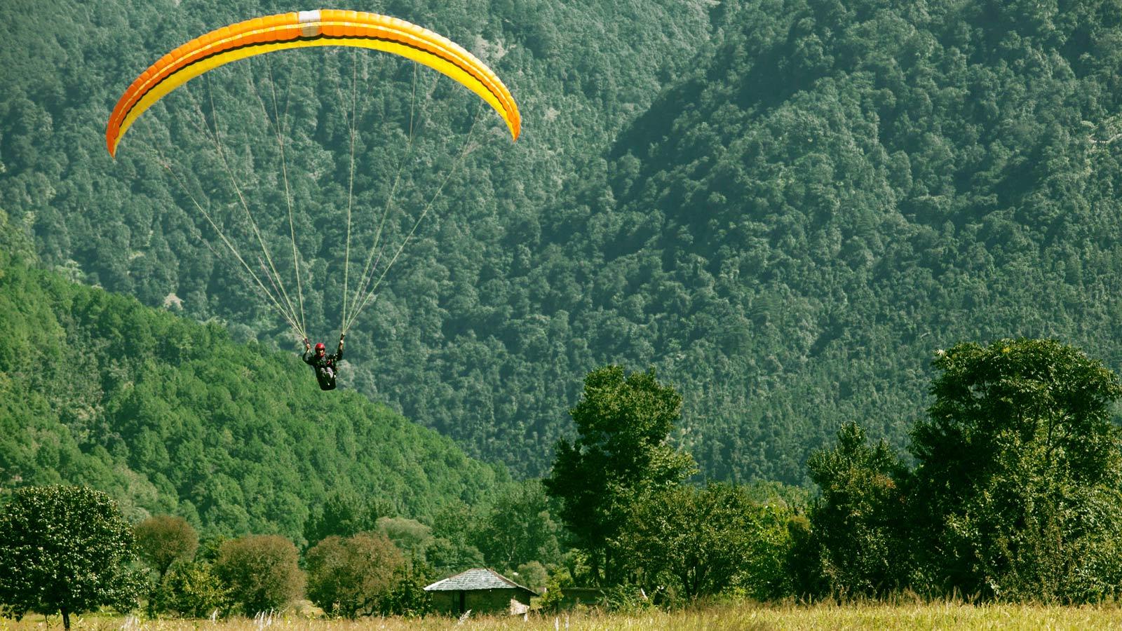 paragliding bir