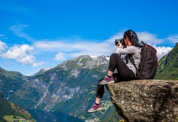 backpacking-women-treksnrapids